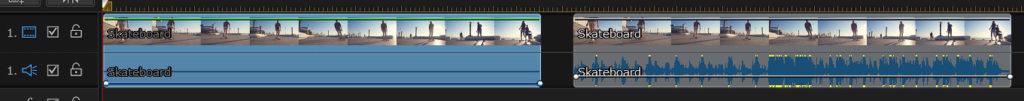 音量が下がるのは、横棒を下げた動画のみ